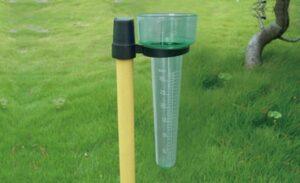 Cómo se mide la precipitación y las horas de sol en una estación meteorológica